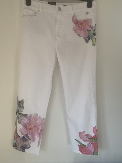 MARC CAIN Crop Jeans With Orchid Print